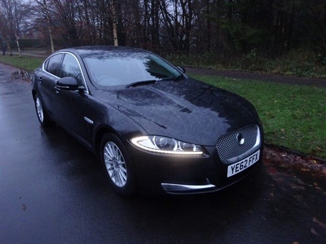 used Jaguar XF D LUXURY in lancashire