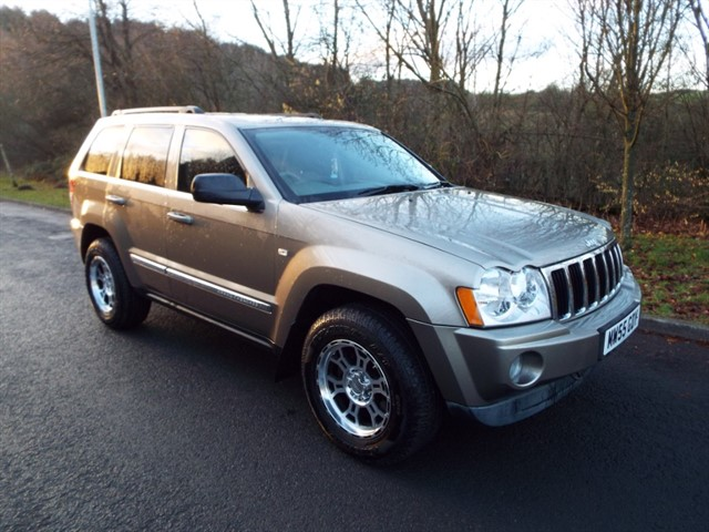 used Jeep Grand Cherokee V6 CRD LIMITED in lancashire