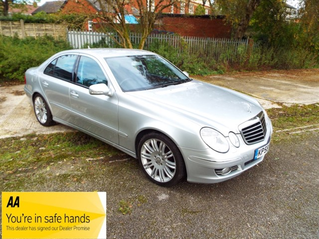 used Mercedes E280 CDI SPORT in lancashire