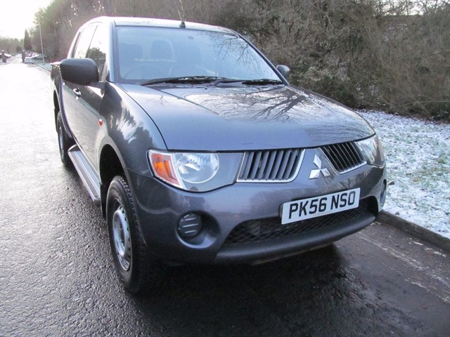 used Mitsubishi L200 DI-D 4Life Double Cab 4WD 4dr in lancashire