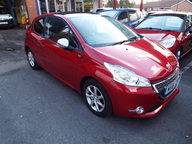 used Peugeot 208 STYLE in lancashire