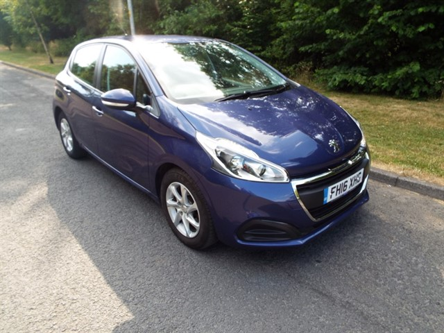 used Peugeot 208 BLUE HDI ACTIVE in lancashire
