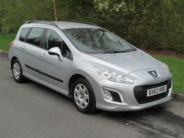 used Peugeot 308 E-HDI SW ACCESS in lancashire