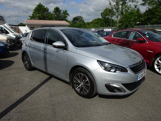 used Peugeot 308 BLUE HDI S/S ALLURE in lancashire