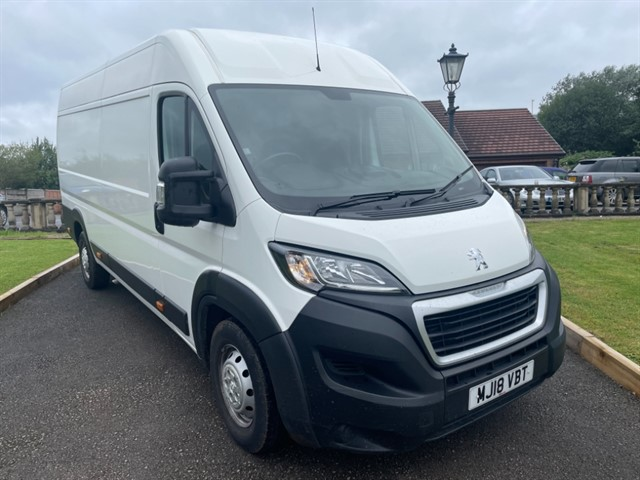 used Peugeot Boxer BLUE HDI 435 L4H2 PROFESSIONAL P/V in lancashire