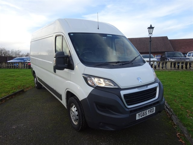 used Peugeot Boxer HDI 335 L3H2 PROFESSIONAL P/V in lancashire