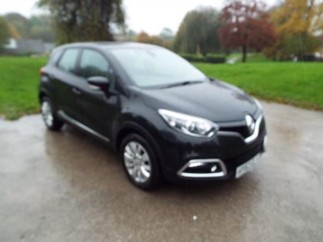 used Renault Captur EXPRESSIONPLUS CONVENIENCE ENERGYTCE S/S in lancashire