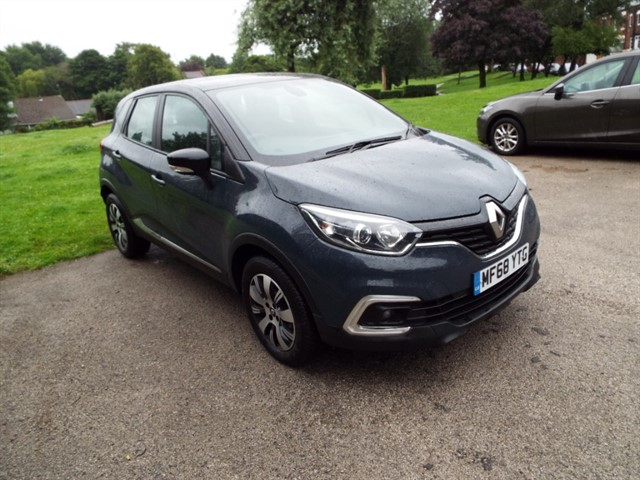 used Renault Captur PLAY TCE in lancashire