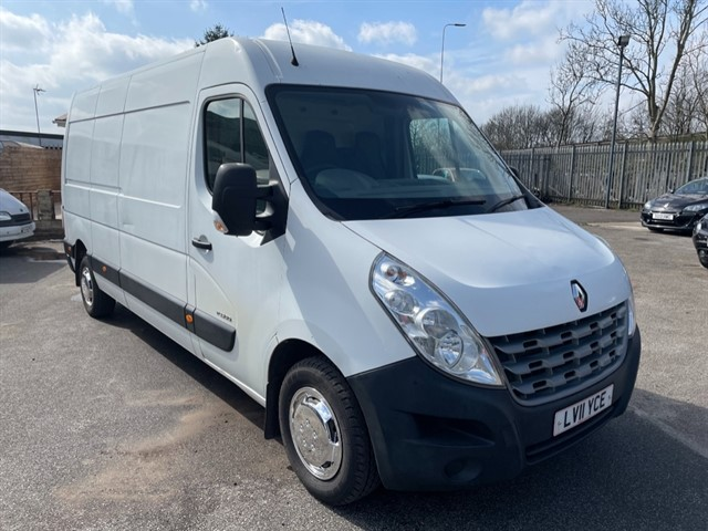 used Renault Master LM35 DCI S/R P/V in lancashire