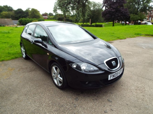 used SEAT Leon TSI STYLANCE in lancashire