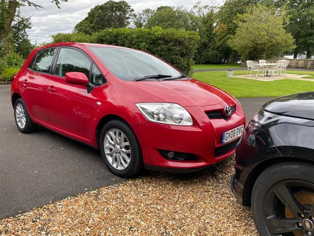 used Toyota Auris T3 VVT-I in lancashire