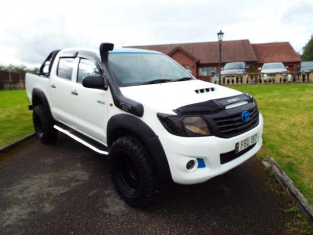 used Toyota Hilux HL2 4X4 D-4D DCB in lancashire