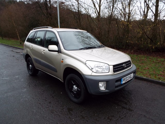used Toyota RAV4 VVTI NV in lancashire