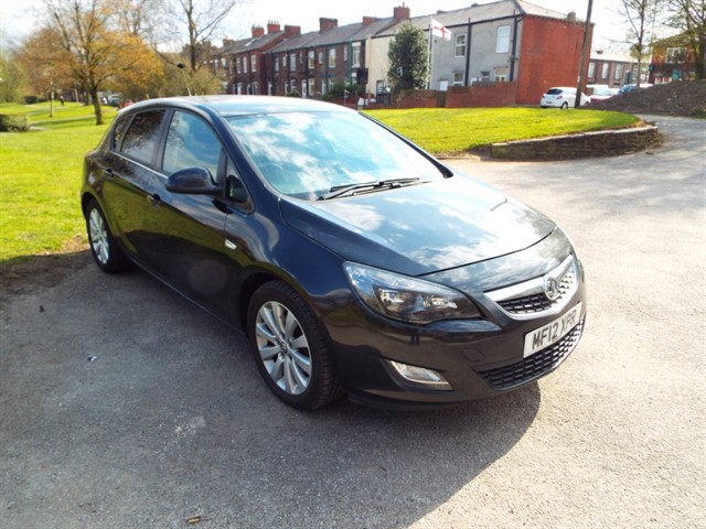 used Vauxhall Astra EXCLUSIV CDTI ECOFLEX S/S in lancashire