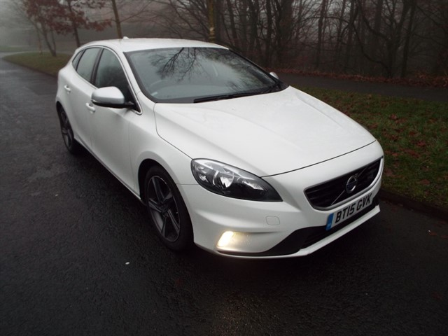 used Volvo V40 D2 R-DESIGN in lancashire