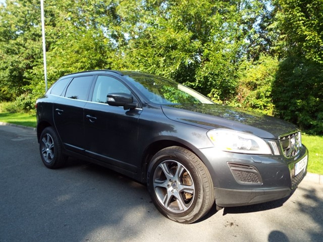 used Volvo XC60 D5 SE LUX NAV AWD in lancashire