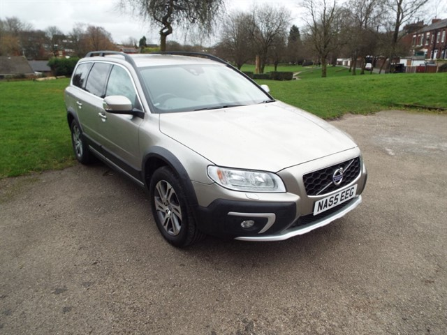 used Volvo XC70 D5 SE NAV AWD in lancashire