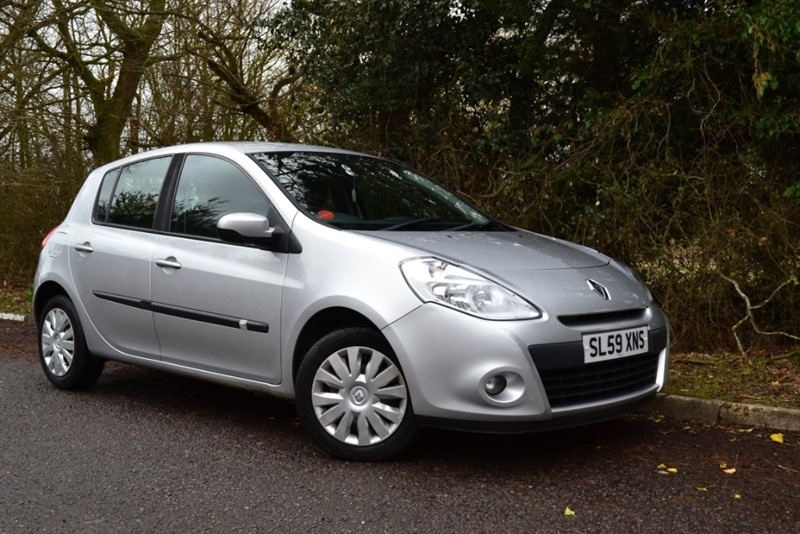 used Renault Clio EXPRESSION VVT in colchester