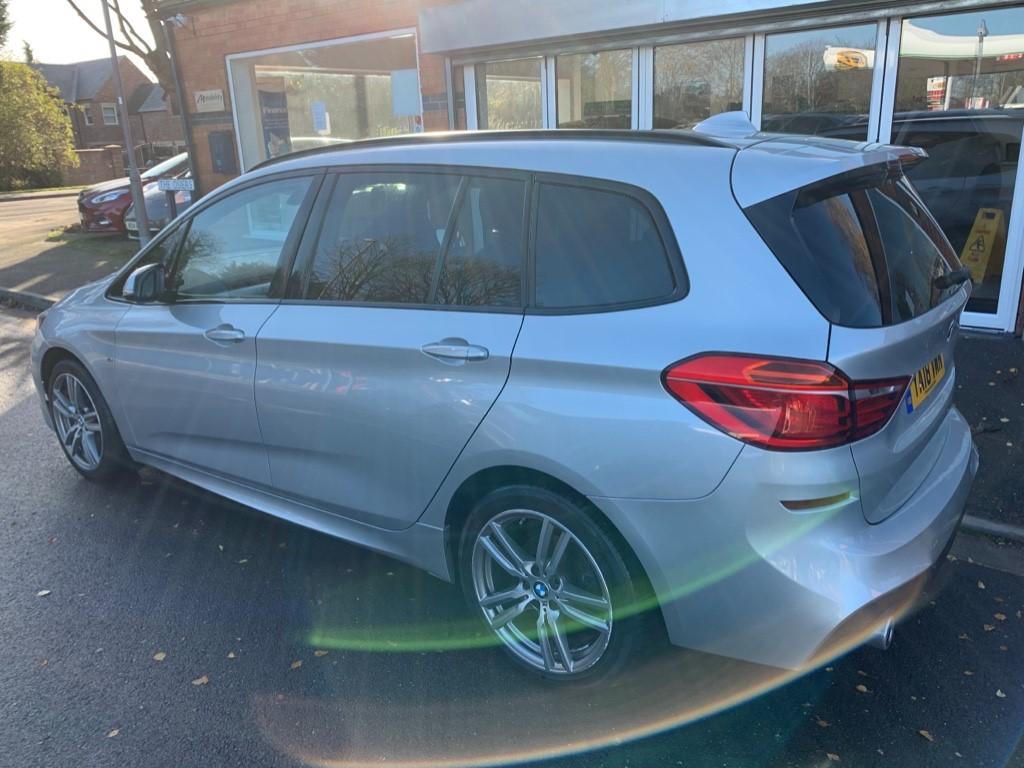BMW 216d