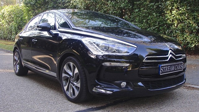 Citroen DS5 in Bagshot, Surrey