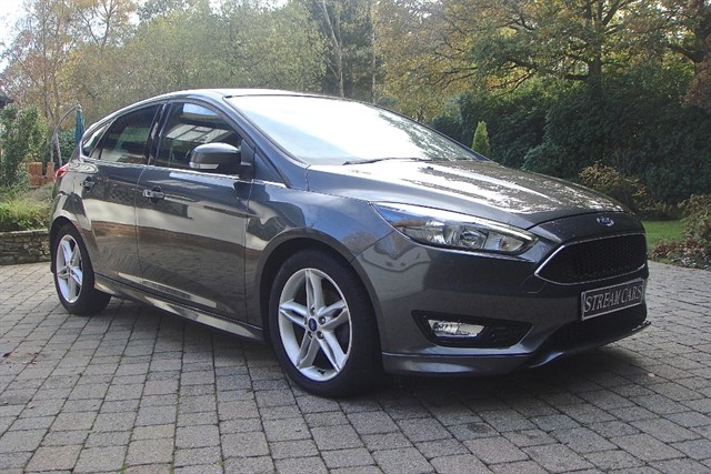 Ford Focus in Bagshot, Surrey
