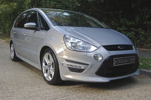 Ford S-Max in Bagshot, Surrey