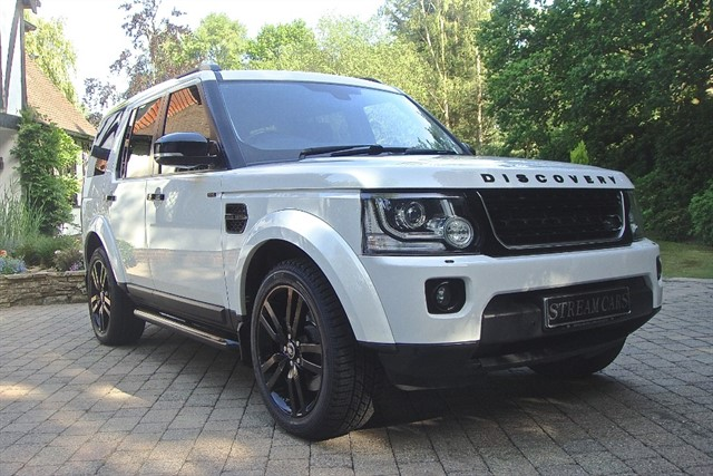 Land Rover Discovery in Bagshot, Surrey