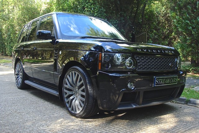 Land Rover Range Rover in Bagshot, Surrey