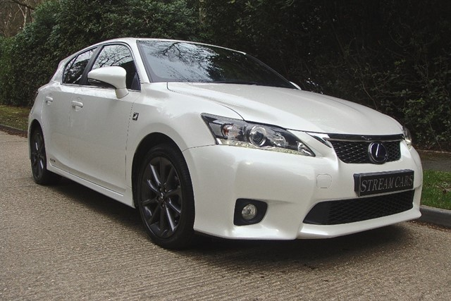 Lexus CT 200h in Bagshot, Surrey