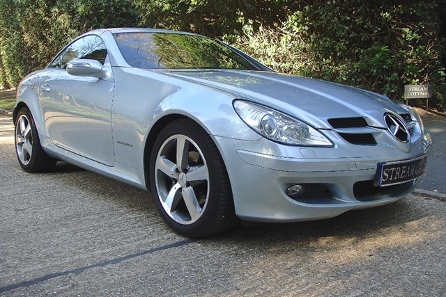 Mercedes SLK200 in Bagshot, Surrey