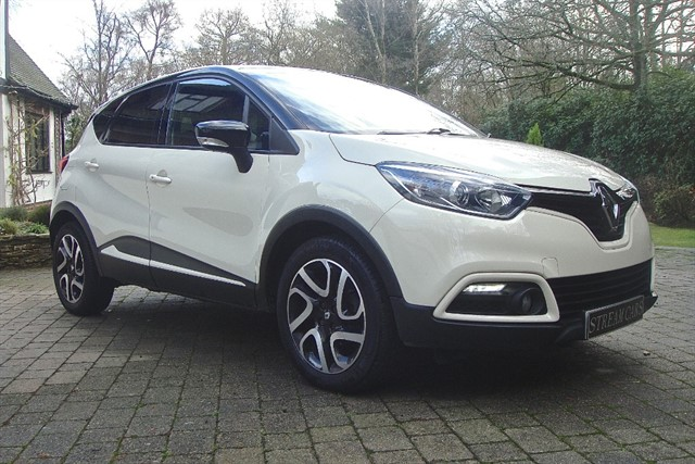 Renault Captur in Bagshot, Surrey