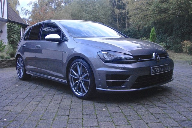 Volkswagen Golf in Bagshot, Surrey