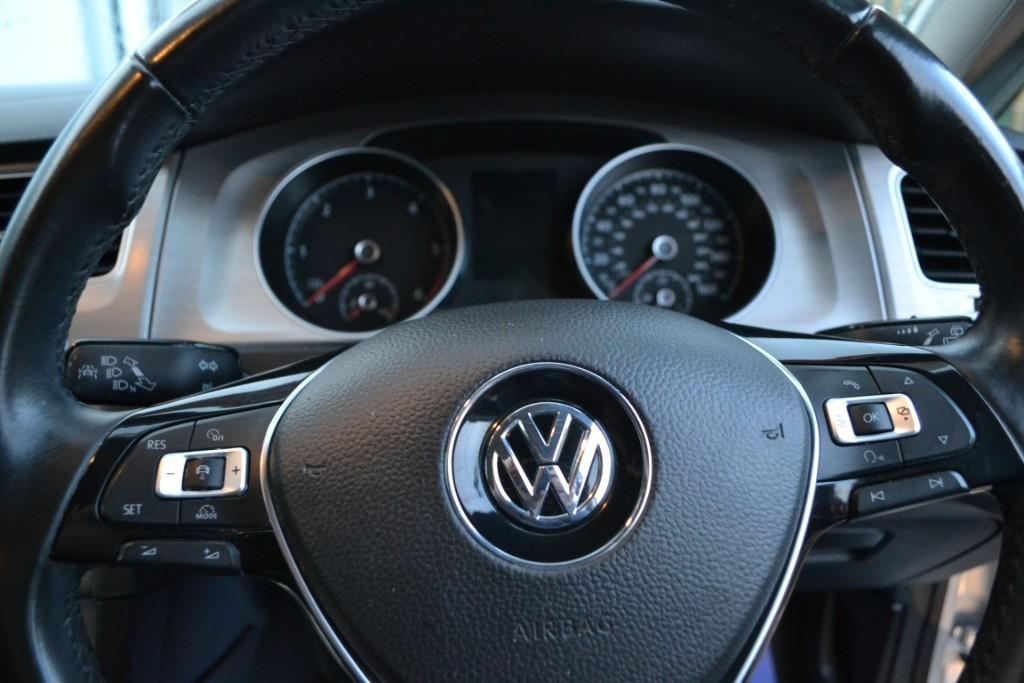 Volkswagen Golf