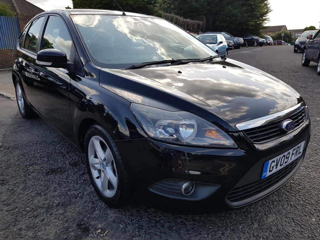 used Ford Focus Zetec 5dr in rainham-kent