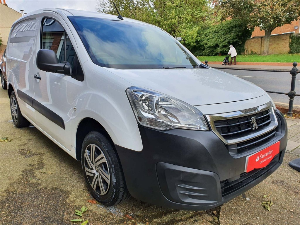 used Peugeot Partner HDi Professional L1 625 4dr in rainham-kent