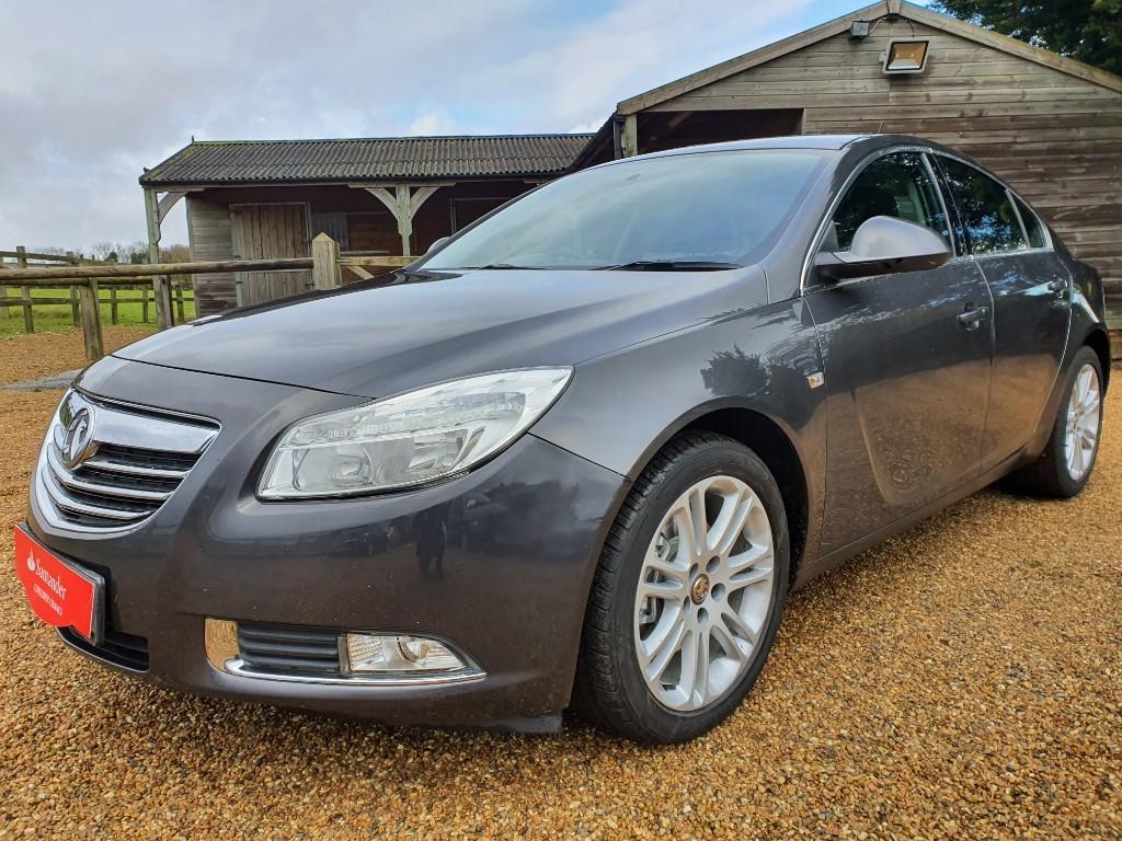used Vauxhall Insignia EXCLUSIV CDTI in rainham-kent
