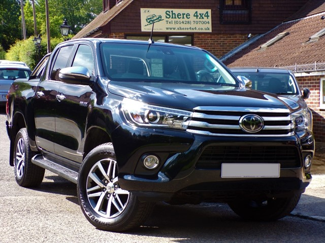 used Toyota Hilux 2.4 D4D Invincible Doublecab - NO VAT TO PAY in surrey-sussex