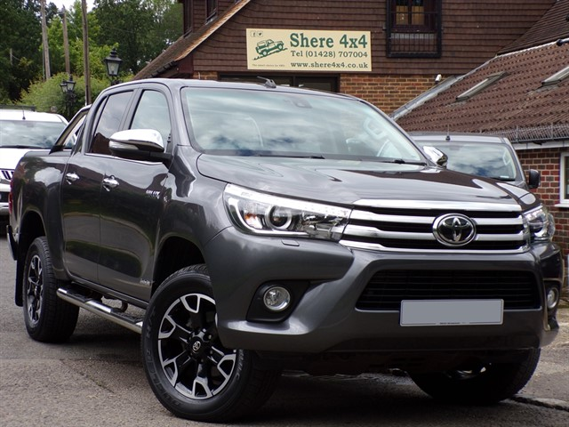 used Toyota Hilux 2.4D4D Invincible Automatic Doublecab - NO VAT TO PAY in surrey-sussex