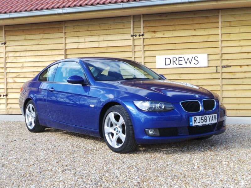 Used BMW 320i SE Demo + One Owner With Black Leather in Berkshire