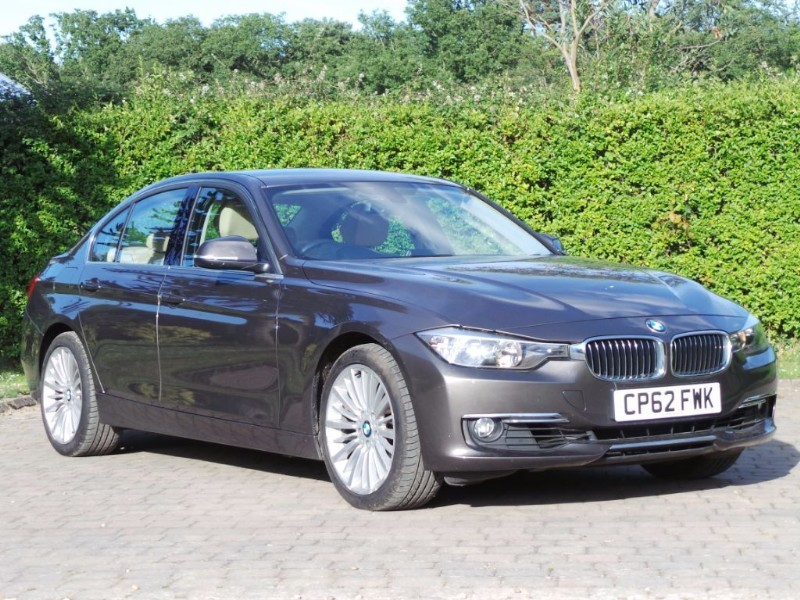 Used BMW 320i Luxury Petrol Automatic 2.0T Full BMW S/History in Berkshire
