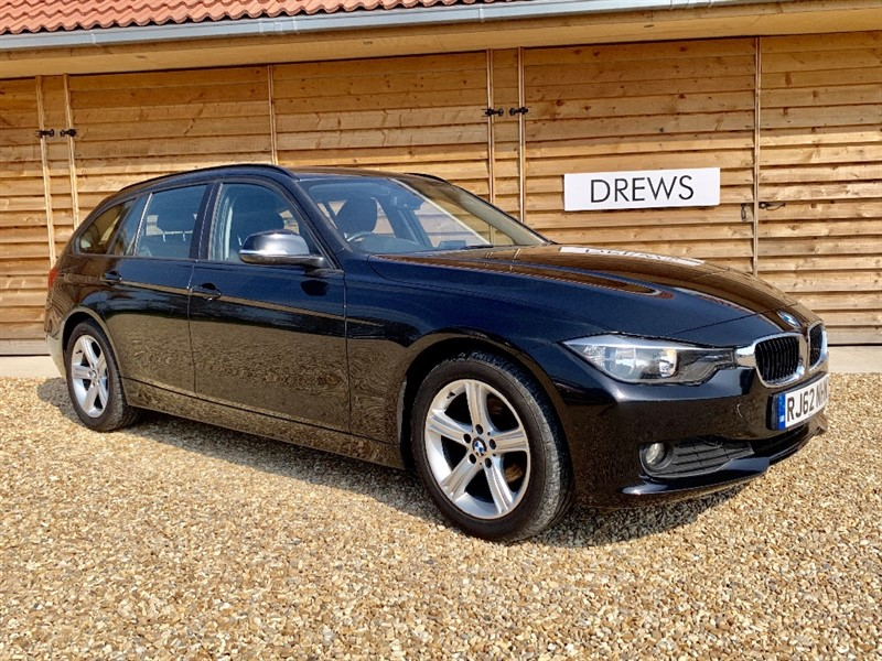Used BMW 318d 2.0 SE TOURING One Owner FBMWSH Black Leather Stop Start in Berkshire