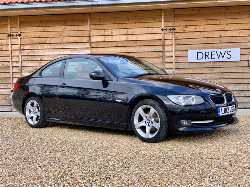 Used BMW 318i 2.0 Petrol SE Manual One Owner Red Leather & Sat Nav in Berkshire