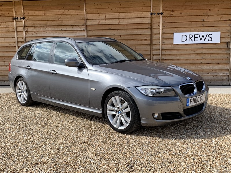 Used BMW 318i SE BUSINESS EDITION TOURING Petrol Sat Nav Leather Seats Heated Steering Wheel in Berkshire