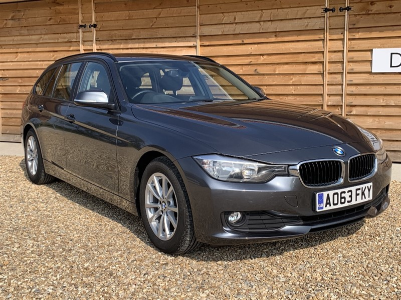 Used BMW 320d EFFICIENTDYNAMICS BUSINESS TOURING Giant Spec in Berkshire