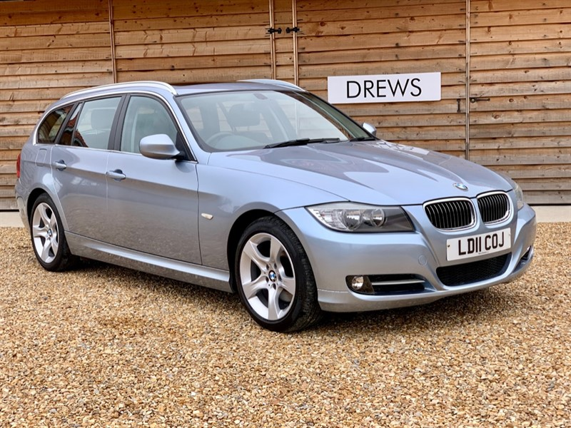 Used BMW 320d EXCLUSIVE EDITION TOURING Auto Black Leather Panoramic Roof in Berkshire