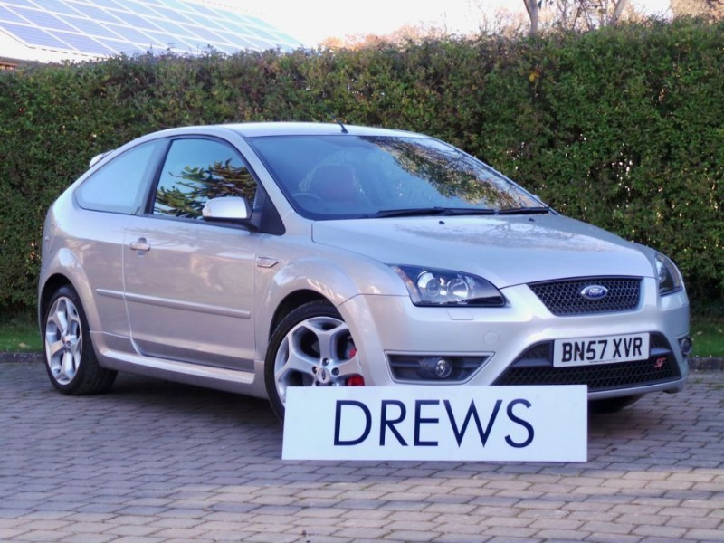 Used Ford Focus ST-2 Complete Ford Main Dealer Service History in Berkshire
