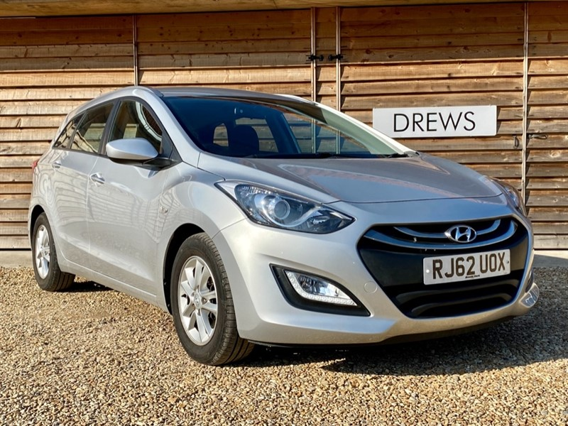 Used Hyundai i30 1.6 CRDI ACTIVE BLUE DRIVE £20 Tax Cruise Bluetooth in Berkshire
