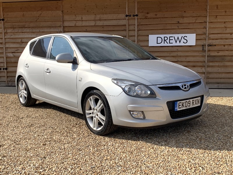 Used Hyundai i30 CRDI PREMIUM Heated Leather Seats Just Serviced New MOT in Berkshire