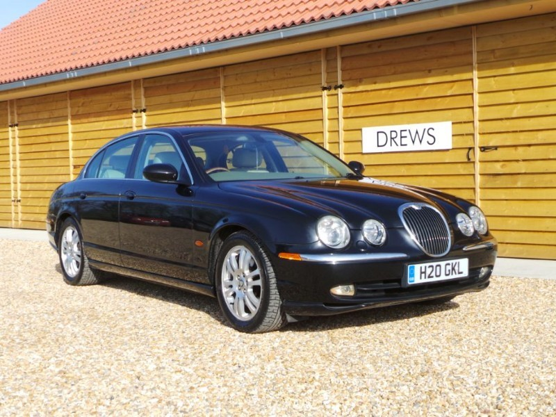 Used Jaguar S-Type V8 SE Low Mileage Low Tax  in Berkshire