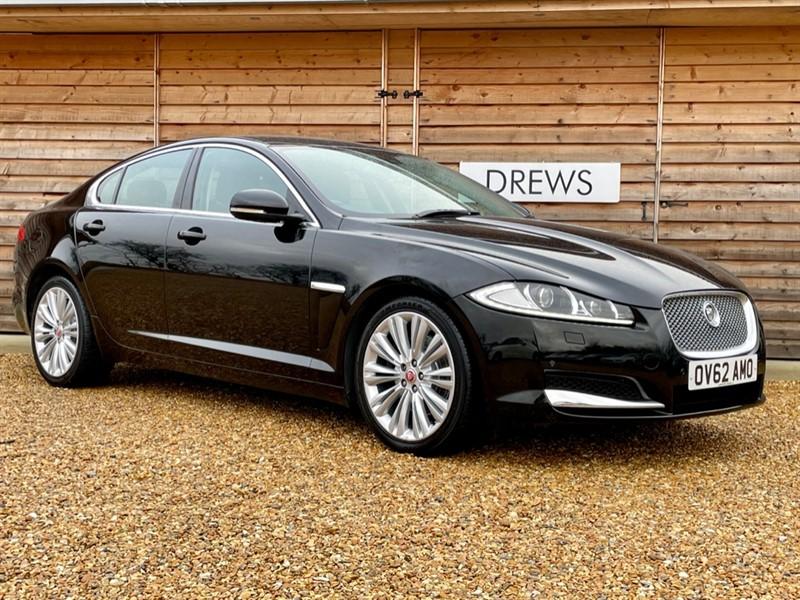 Used Jaguar XF D PREMIUM LUXURY Sat Nav Heated Seats Bluetooth in Berkshire